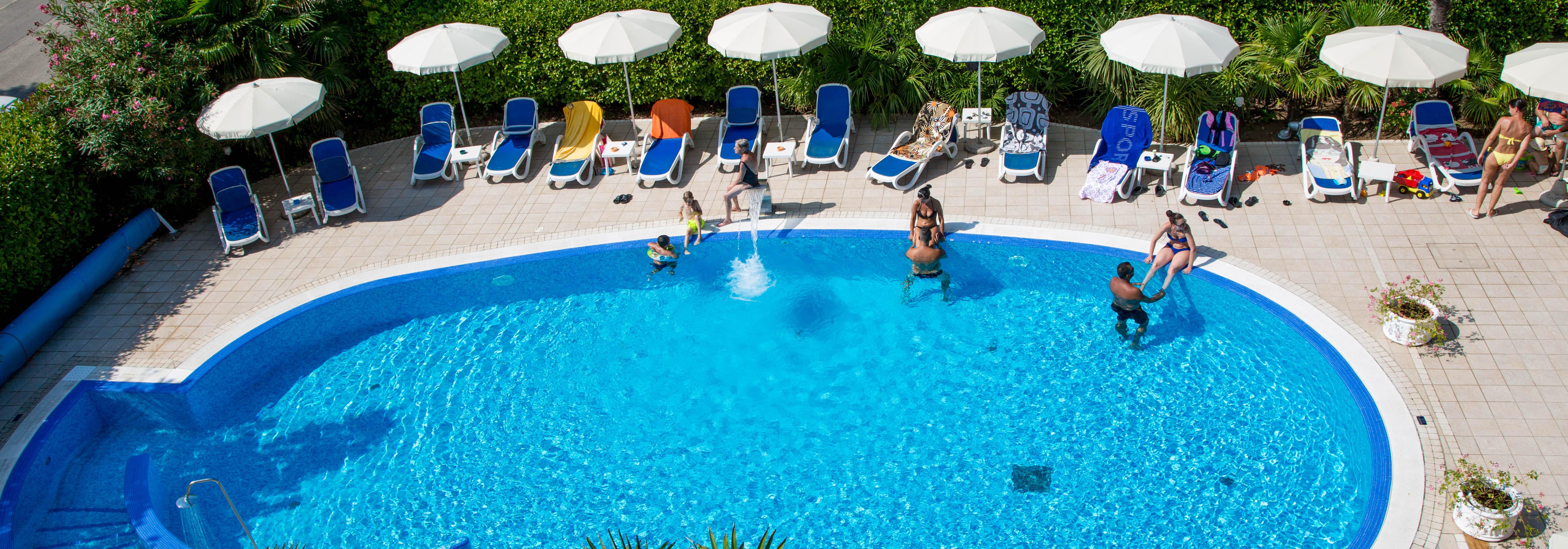 Hotel 4 stelle jesolo con piscina hotel helios jesolo - Hotel merano 4 stelle con piscina ...