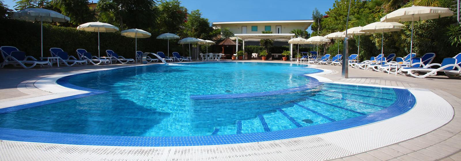 Hotel 4 stelle jesolo con piscina hotel helios jesolo - Hotel con piscina jesolo ...